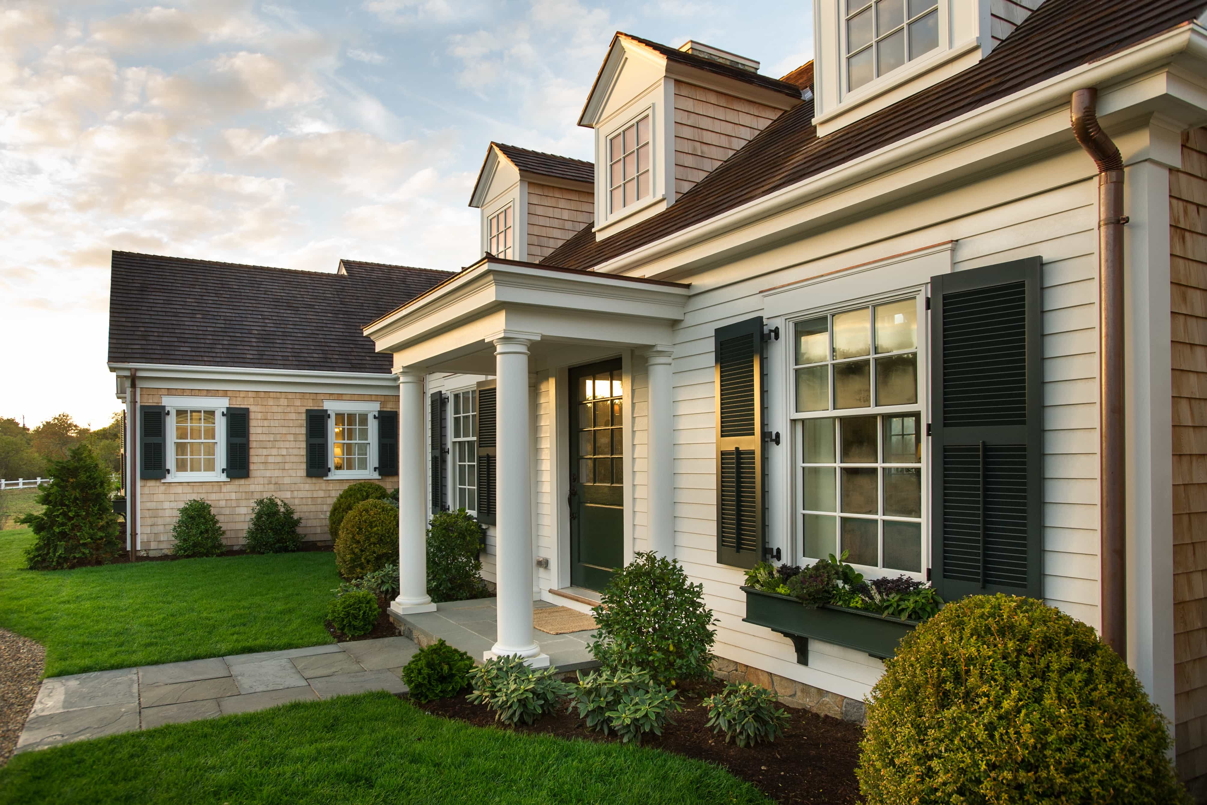 Featured Image of Cape Cod Home With Covered Portico