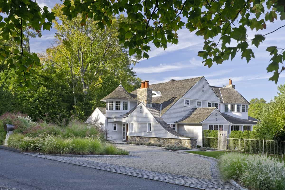 Featured Image of Cape Cod House Exterior Architecture