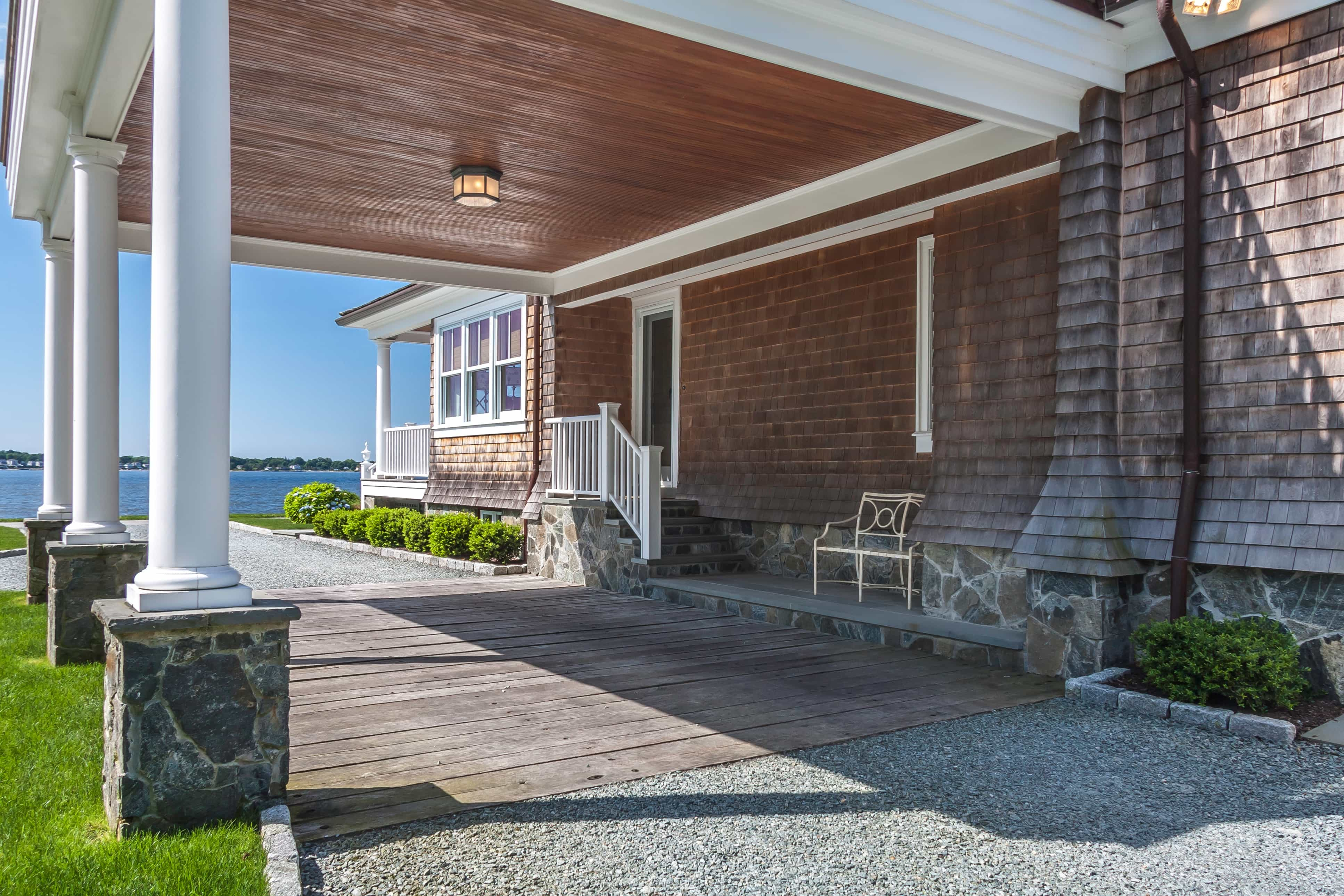 Featured Image of Classic Cape Cod Style Exterior With Driveway