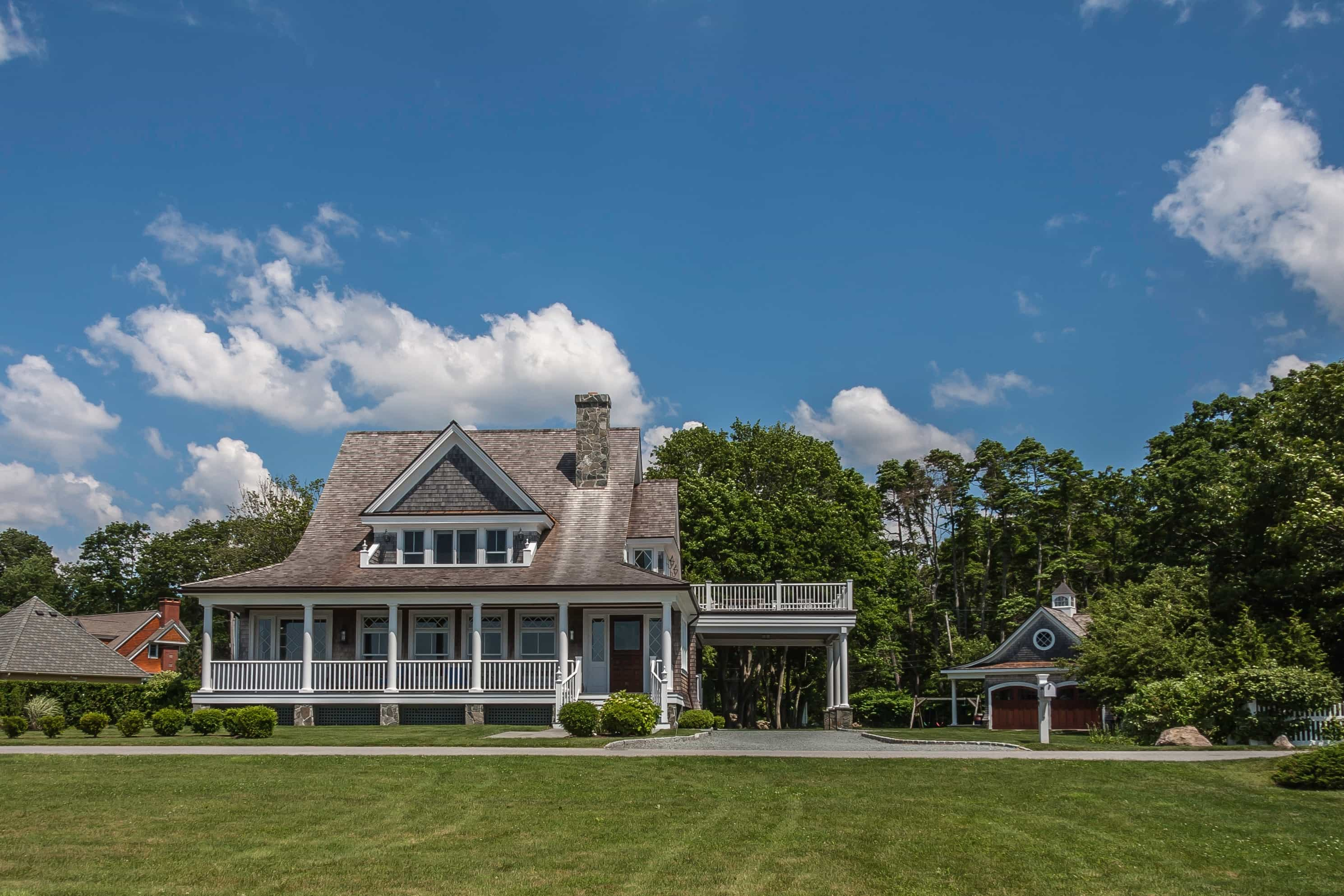 Featured Image of Classic Cape Cod Style House Exterior With Front Porch
