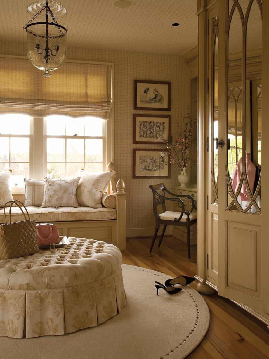 Featured Image of Colonial Dressing Room With Mirrored Armoire