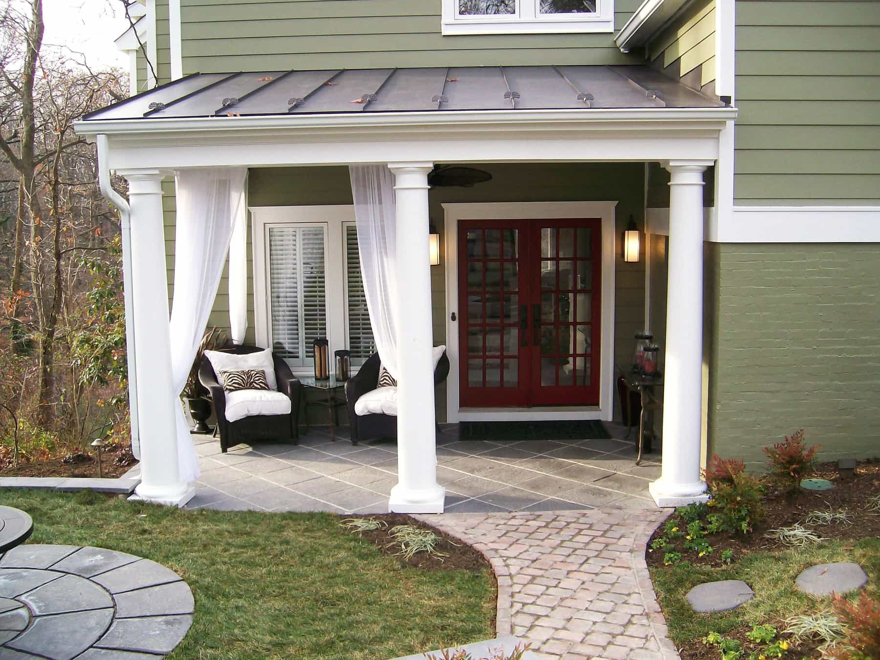 Featured Image of Colonial Home With Green Siding And Red French Doors