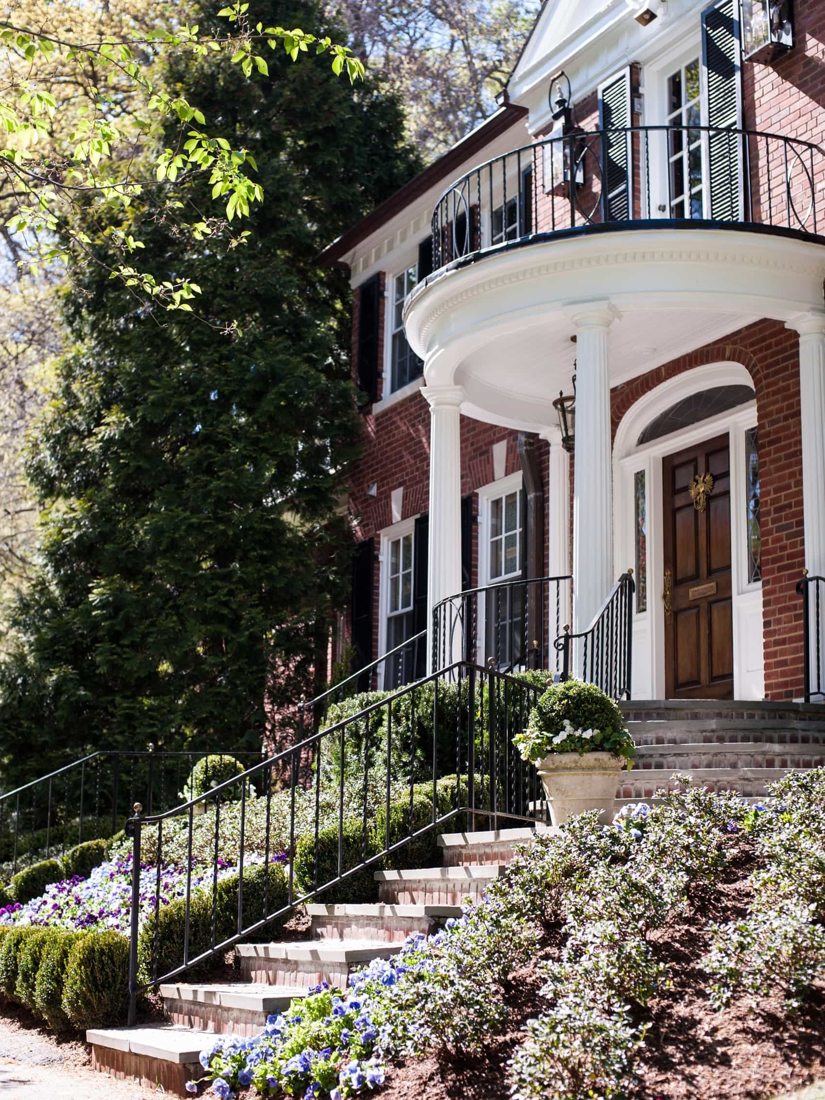 Featured Image of Colonial House Exterior With Classic Terrace And White Pillars