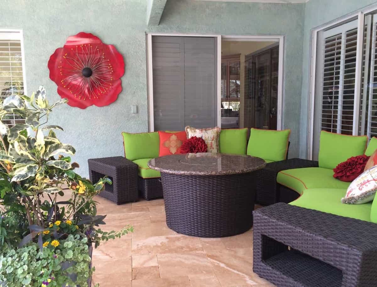 Featured Image of Colorful Outdoor Patio With Brown Wicker Furniture Set