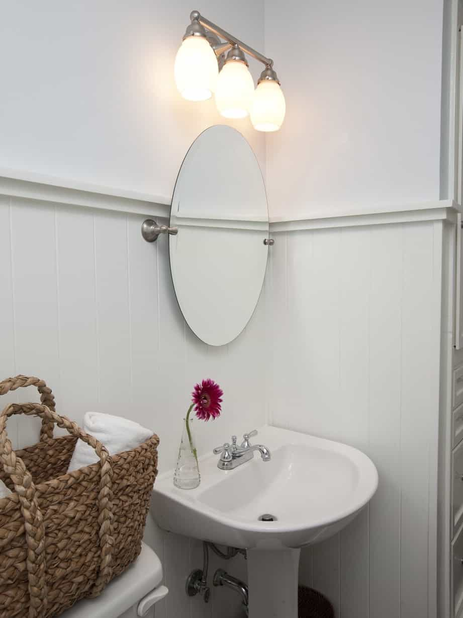 Cottage bathroom lighting