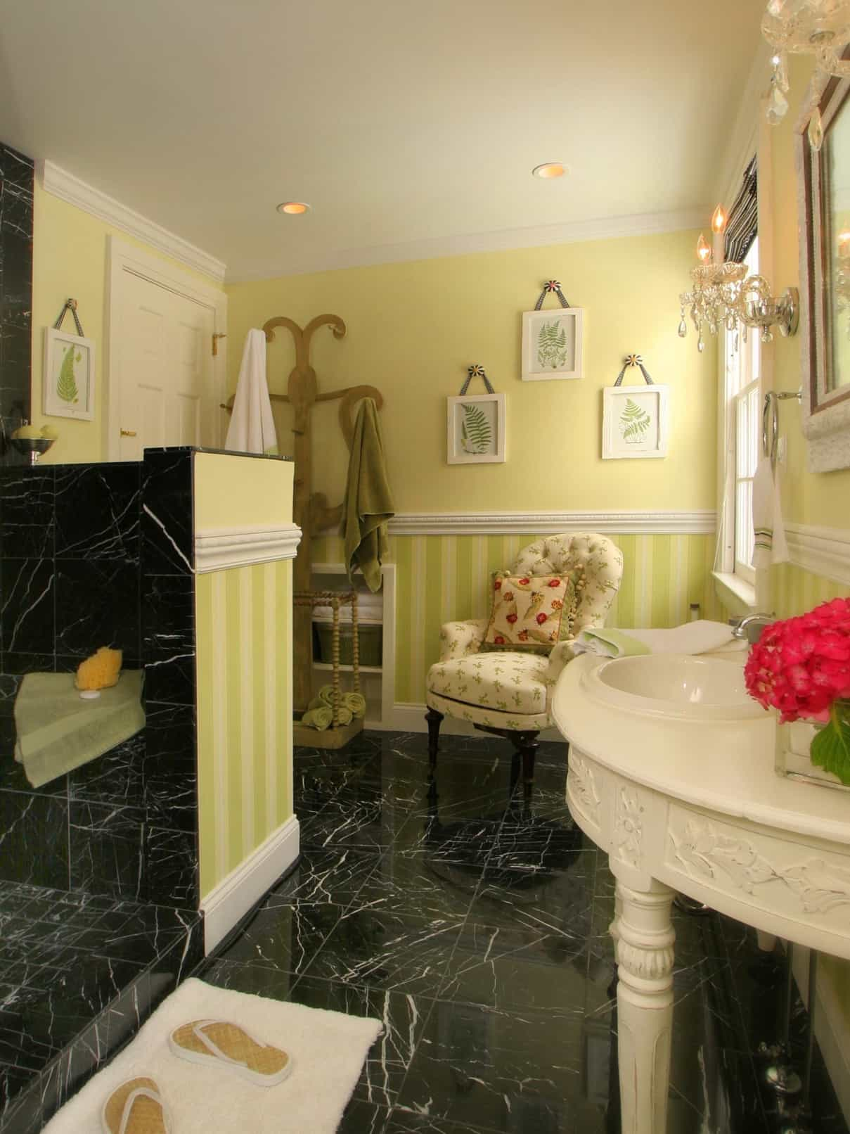 Featured Image of Cottage Bathroom With Yellow Wall Paint And Black Marble Tile