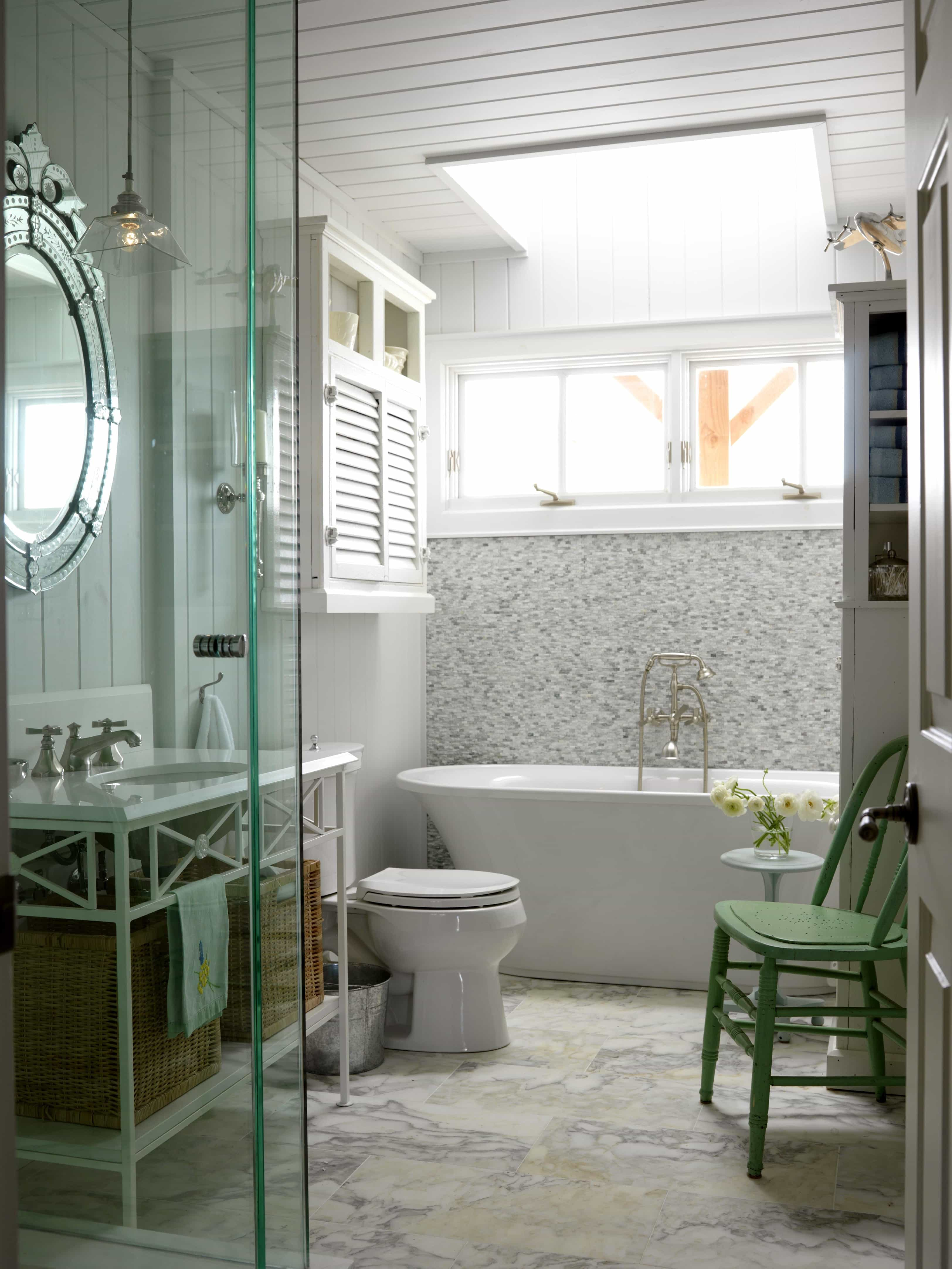 Featured Image of Cottage Master Bathroom With Luxurious Marble Flooring