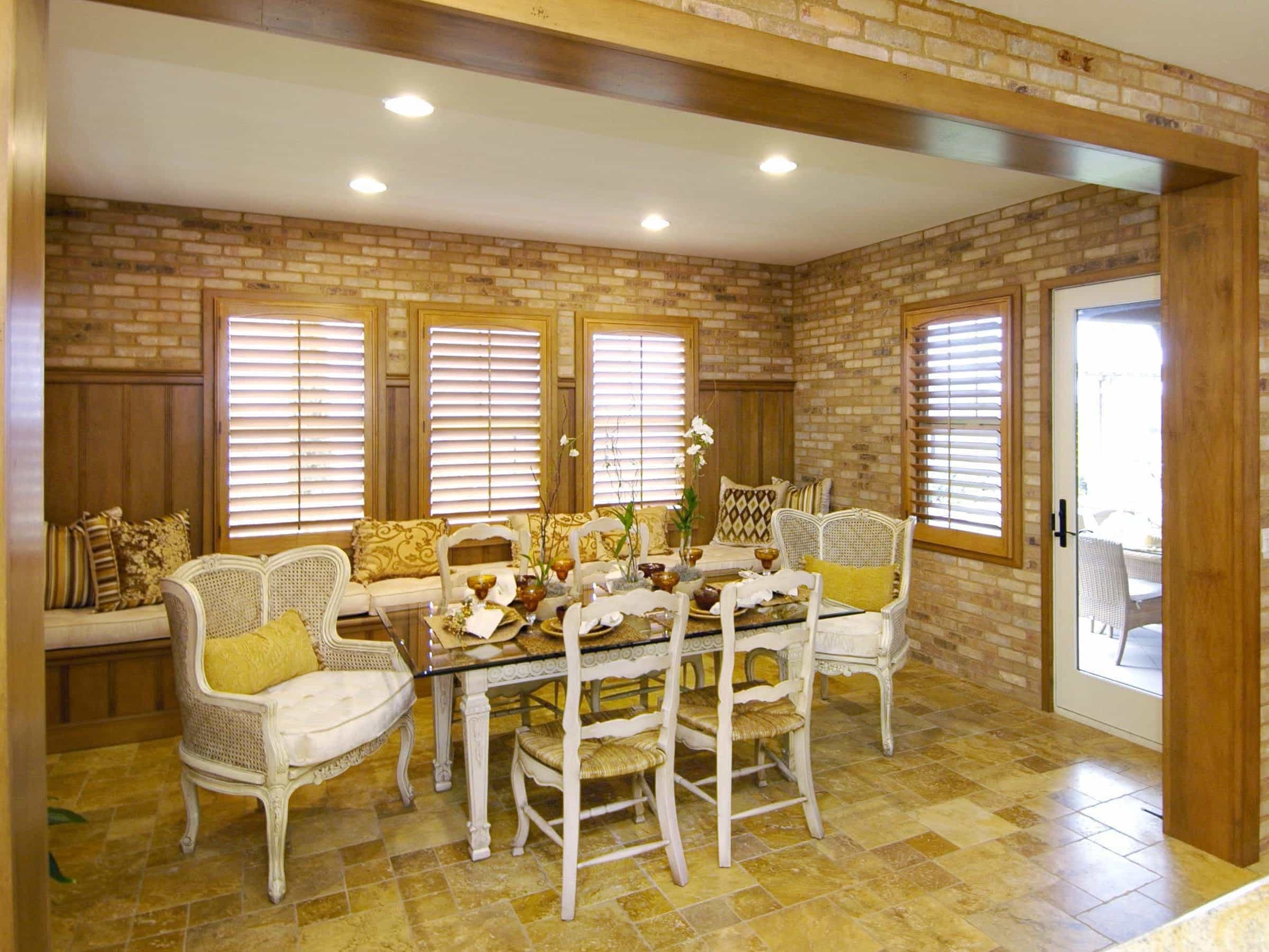Cottage Style Breakfast Room With Brick Walls (Image 8 of 30)