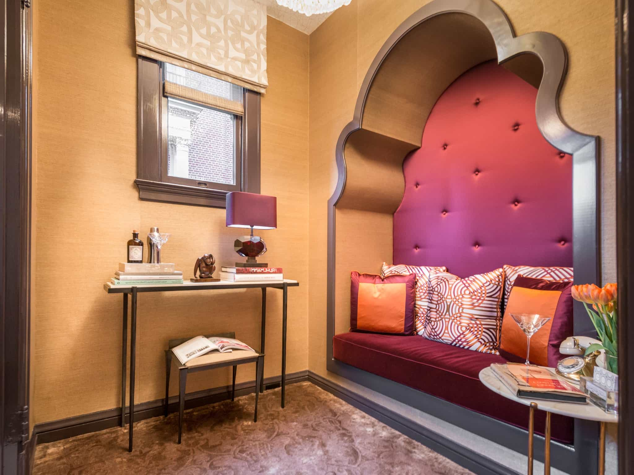 Featured Image of Cozy Art Deco Alcove