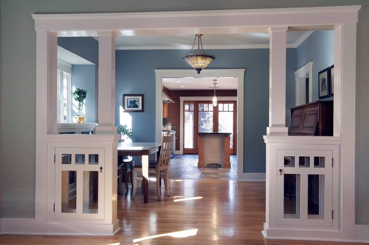 Featured Image of Craftsman Dining Room Opens To Kitchen