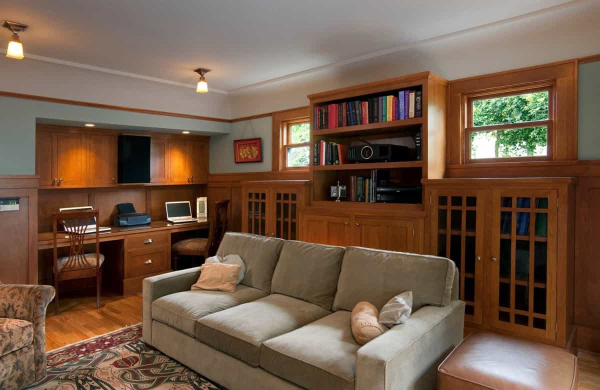 Featured Image of Craftsman Family Room With Desk