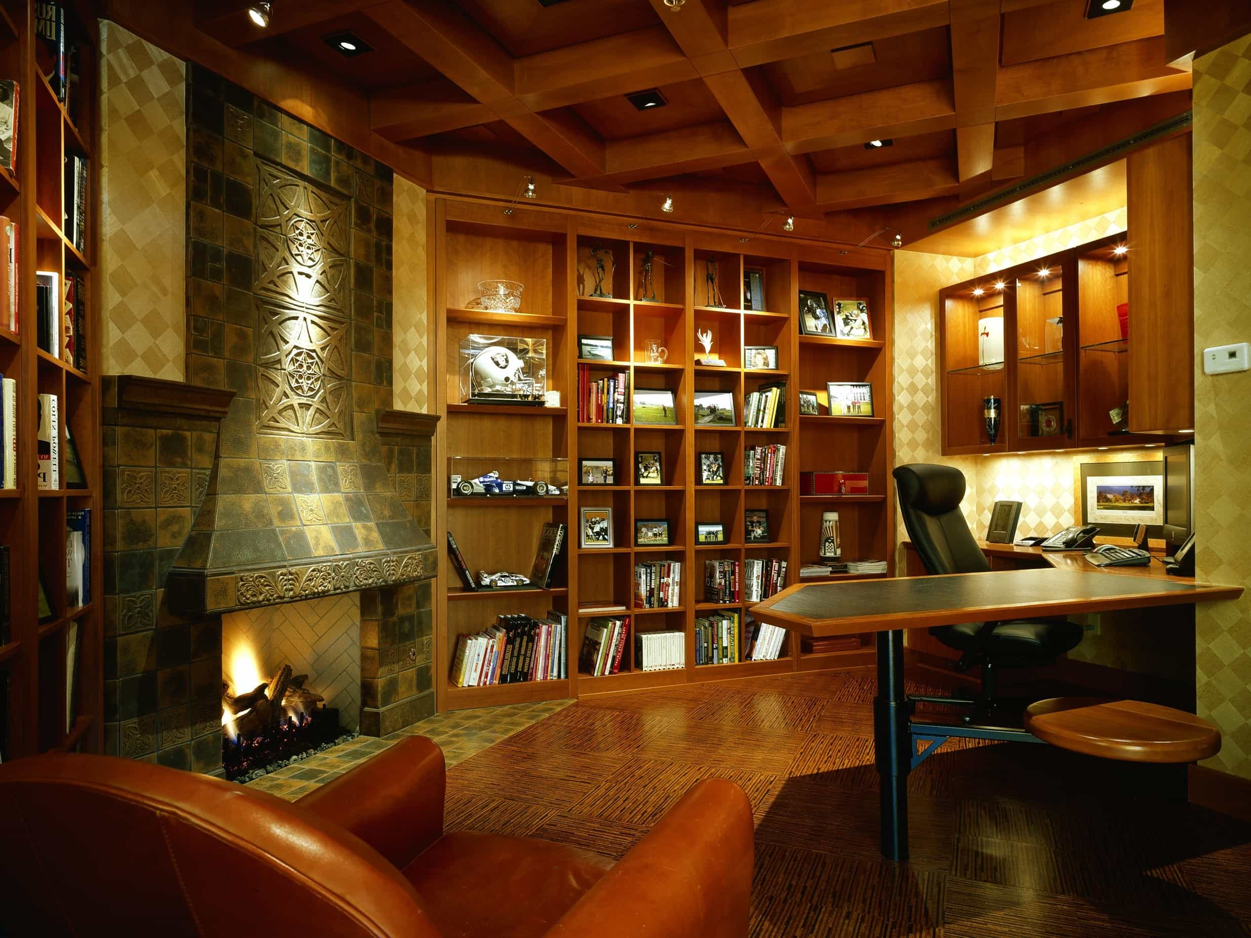 Featured Image of Craftsman Home Office With Fireplace And Built In Bookshelf