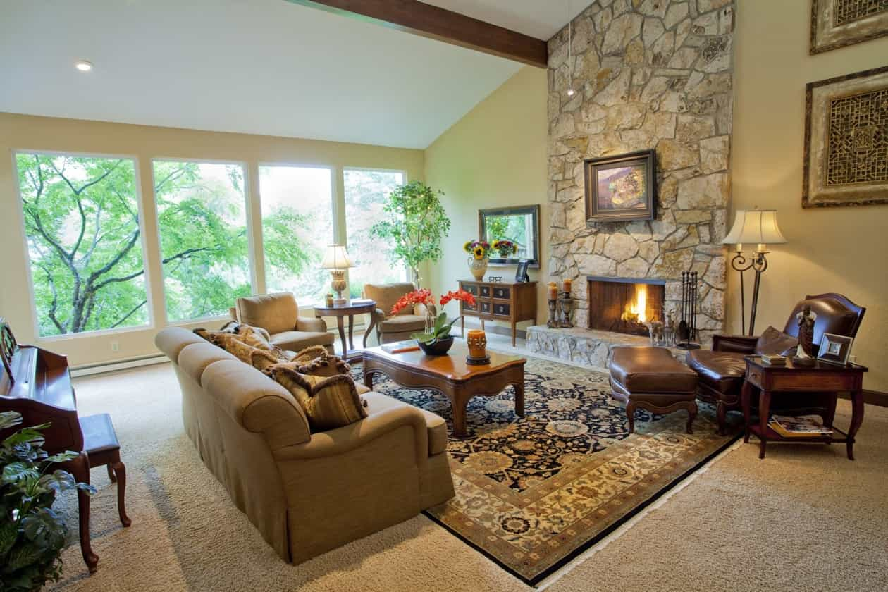 Featured Image of Craftsman Living Room With Large Wall Of Windows