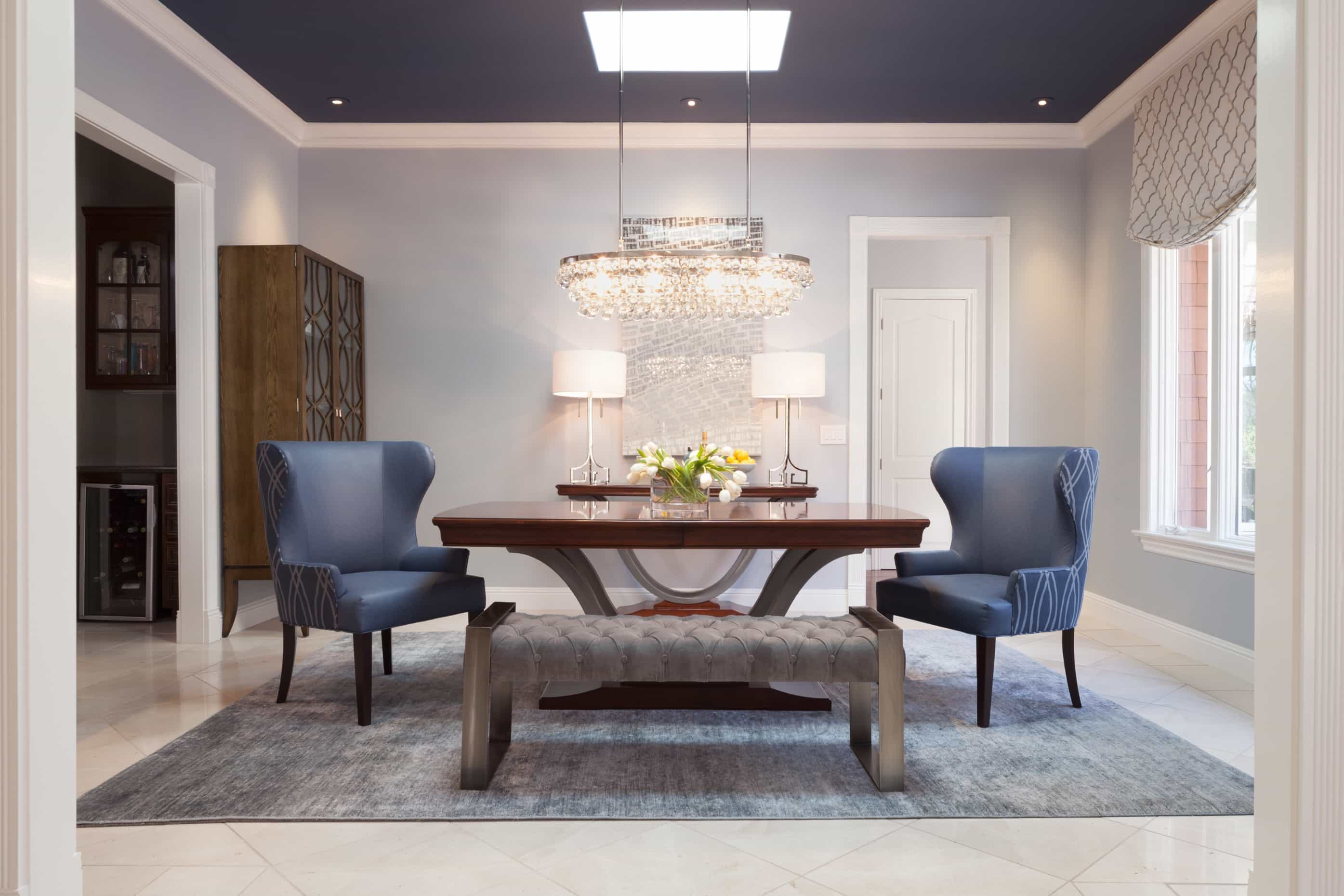 Featured Image of Deluxe Blue Art Deco Dining Room With Wingback Chairs