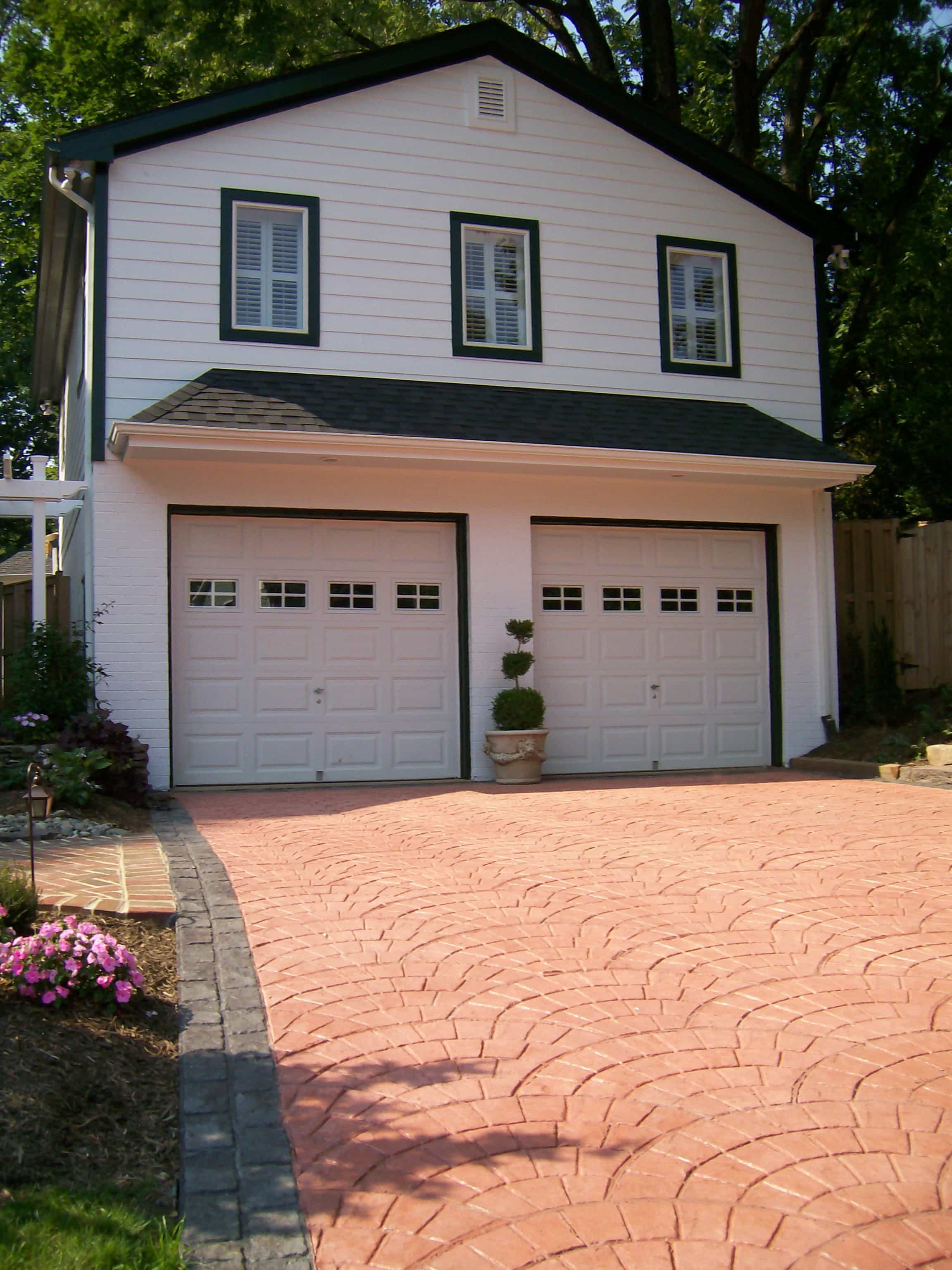 Cape Cod House With Garage : Driveway and garage of cape cod home house