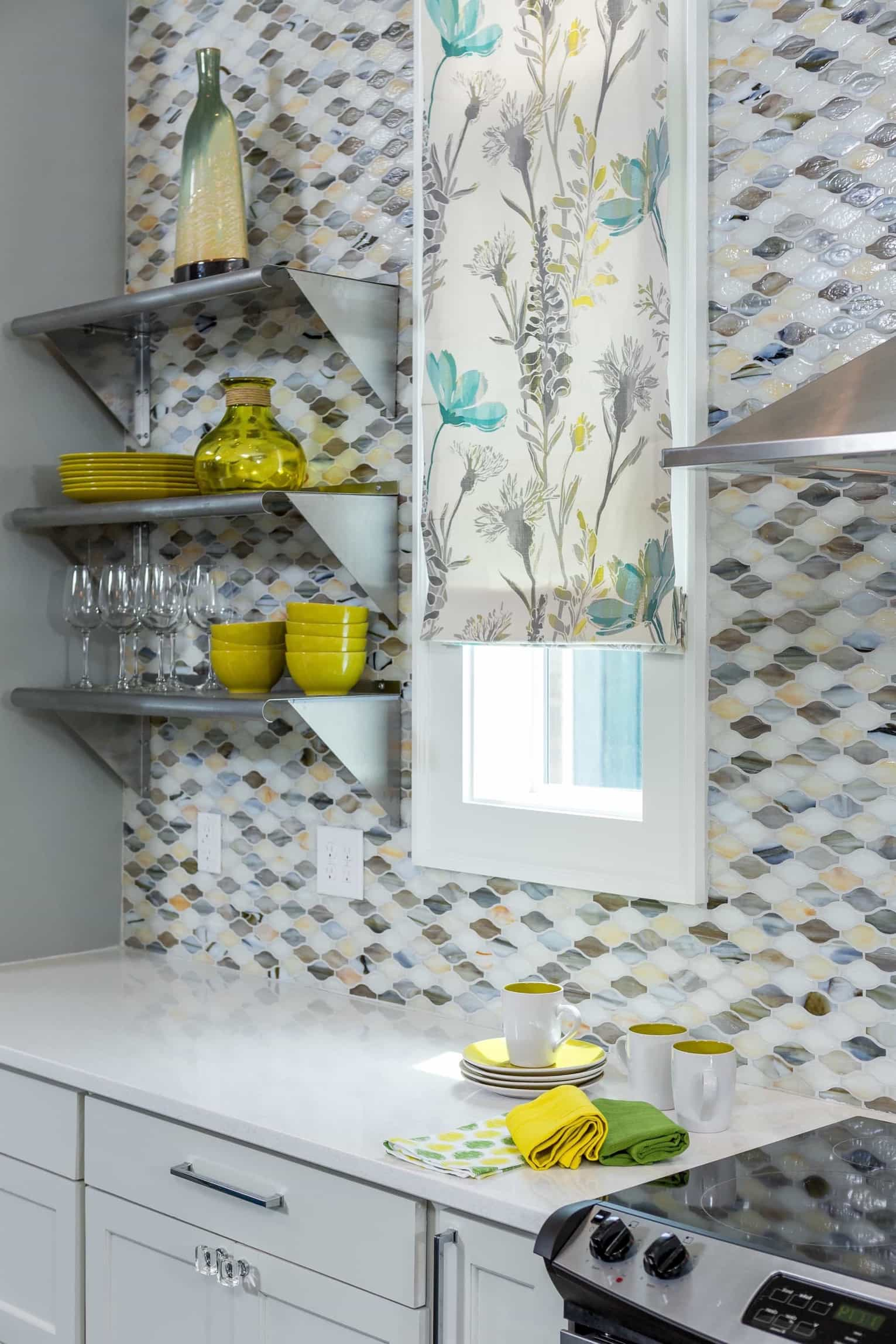 Featured Image of Eclectic Kitchen With Gray Yellow And White Tile And Art