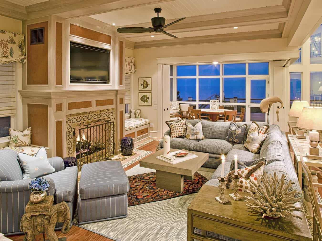 Featured Image of Elegant Coastal Open Space Living Room