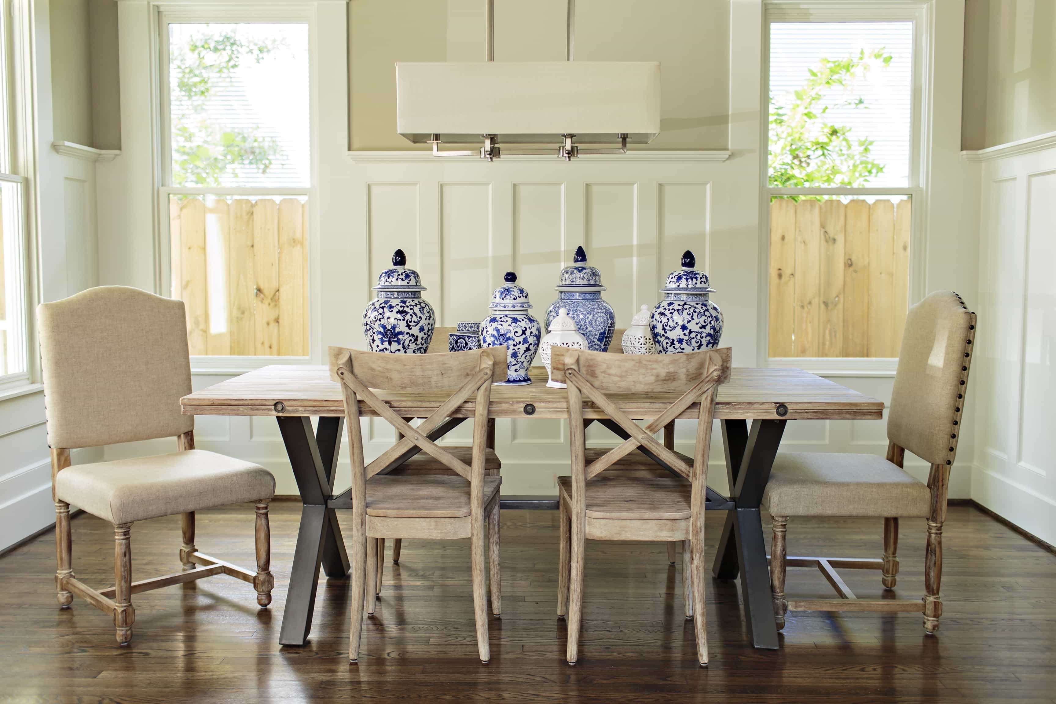 Featured Image of French Country Wood Furnishings For Rustic Dining Room