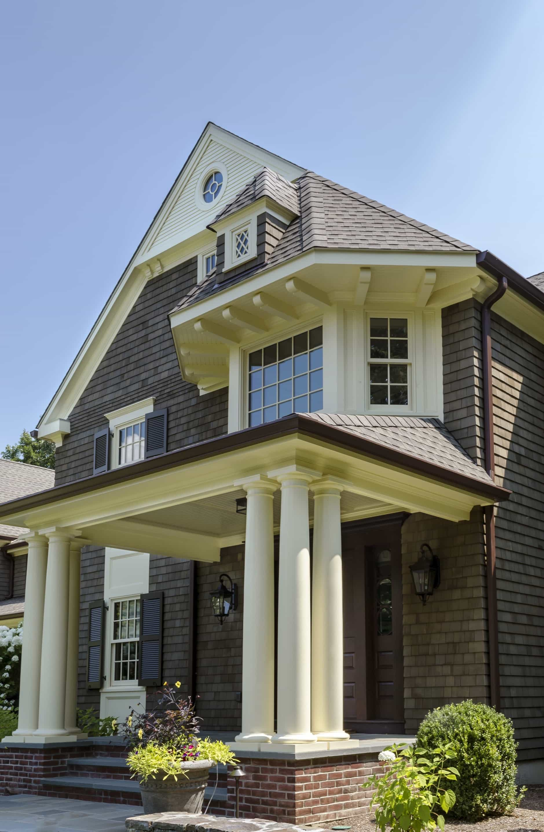 Featured Image of Front Porch With Large Pillars Design At Colonial Home