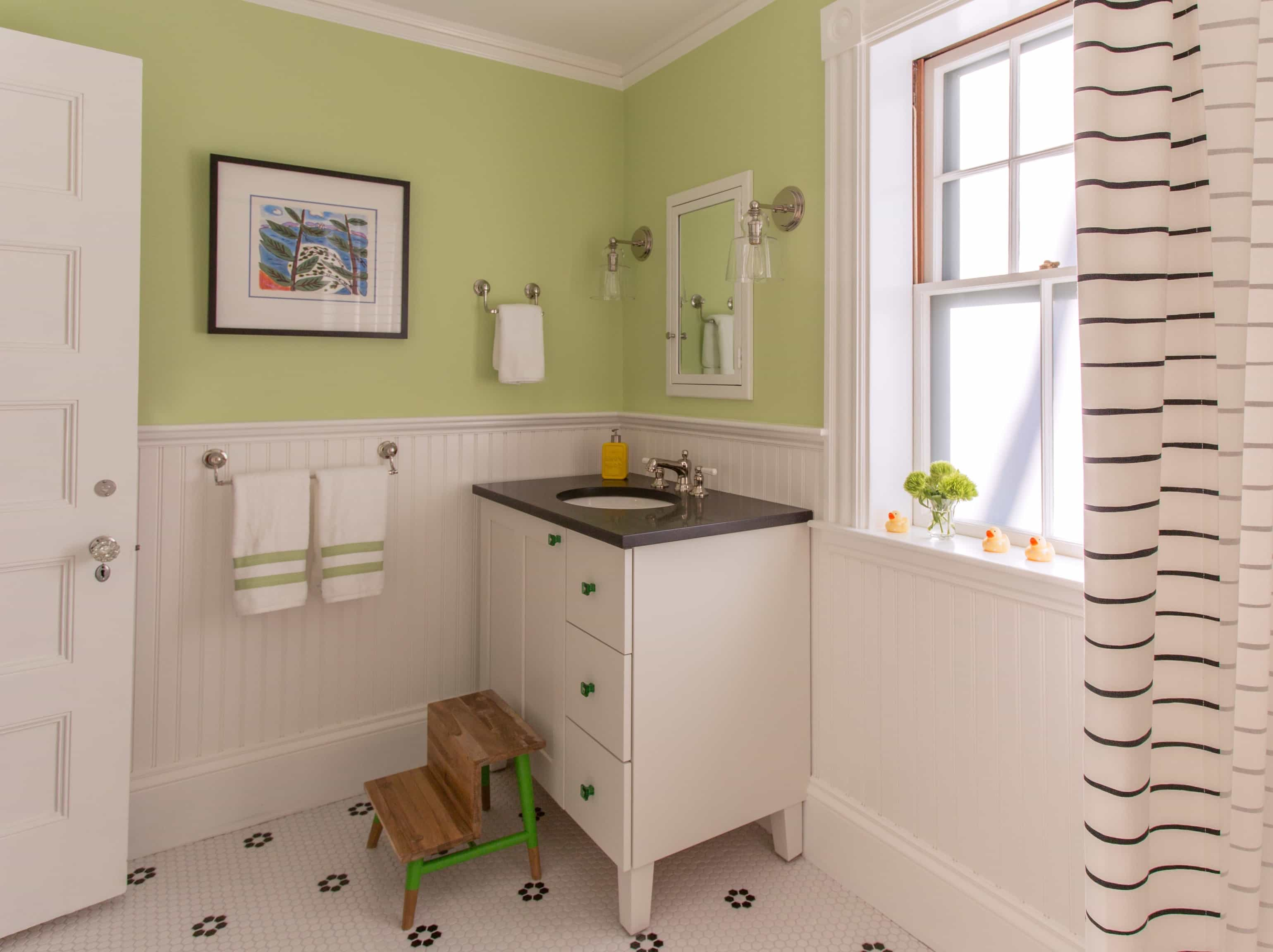 Featured Image of Green Cottage Bathroom With Black And White Tile Floor