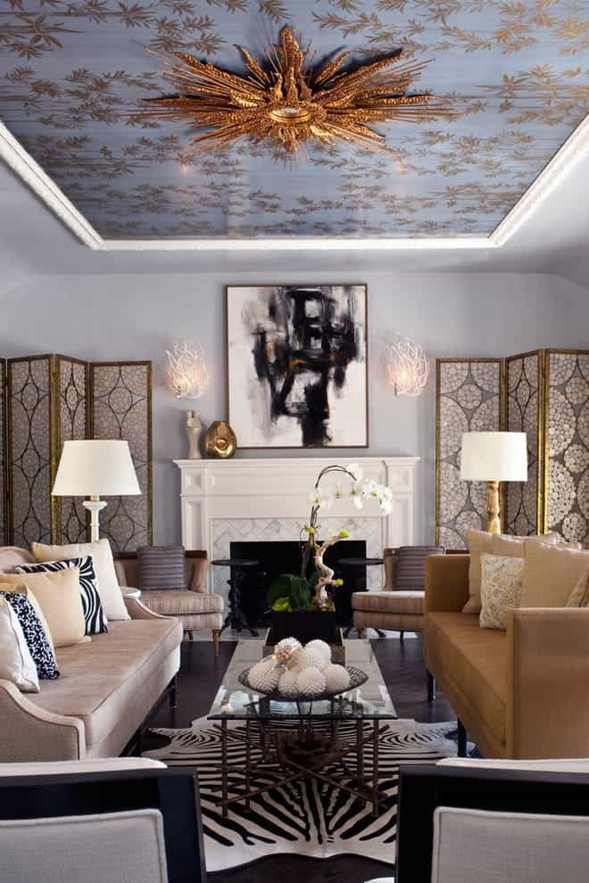 Featured Image of Indian Living Room With Classic Furniture And Ceiling