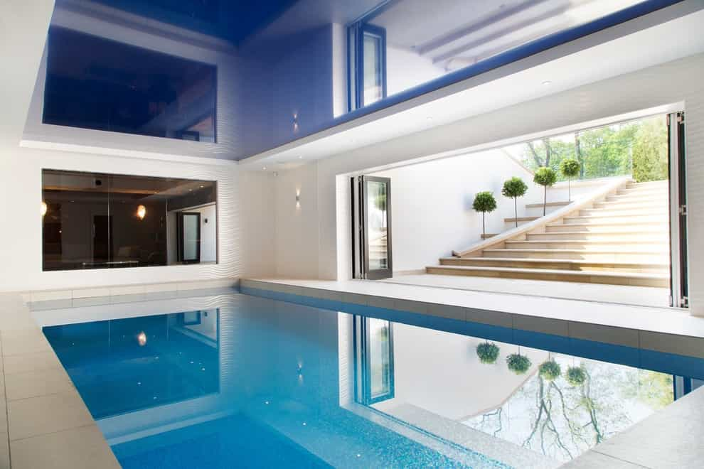 Inspiration For A Large Contemporary Rectangular Indoor Pool Remodel (Image 9 of 14)