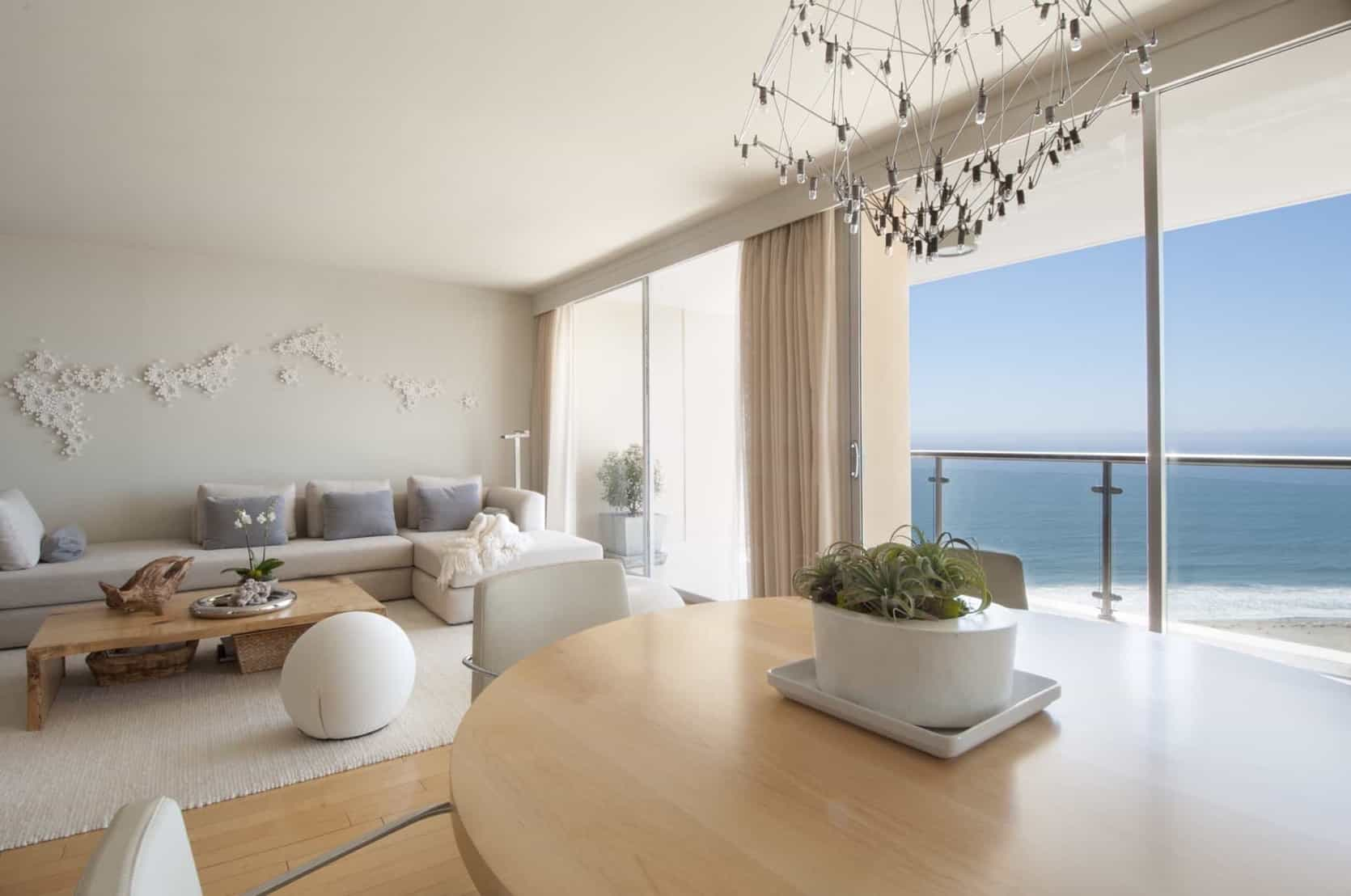 Featured Image of Light Filled Coastal Living Room By The Sea