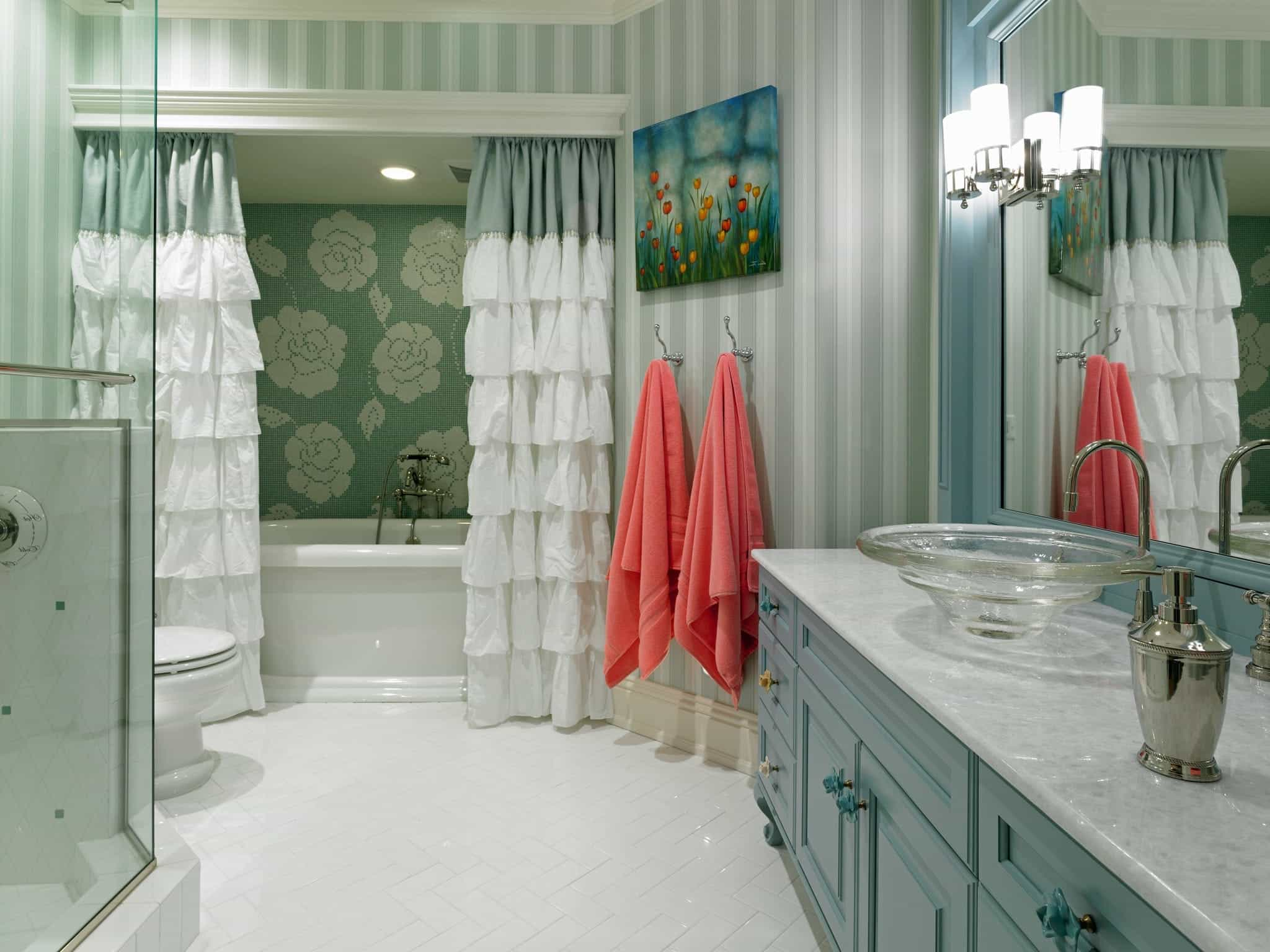 Featured Image of Luxury Kids Bathroom Decorating Ideas