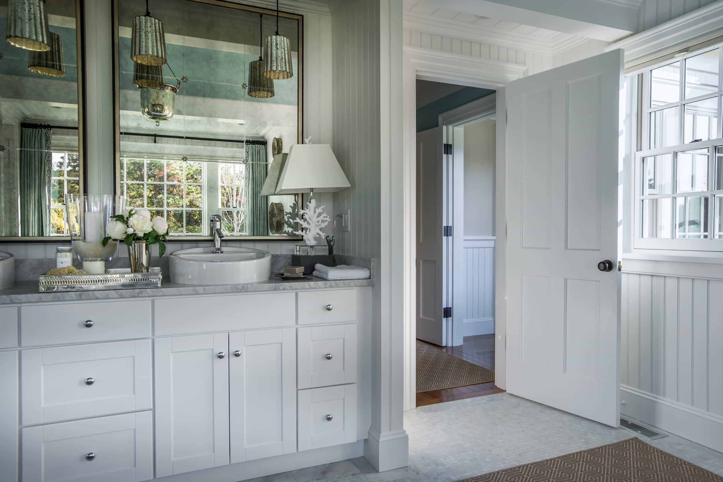 Featured Image of Master Bathroom With Great Storage