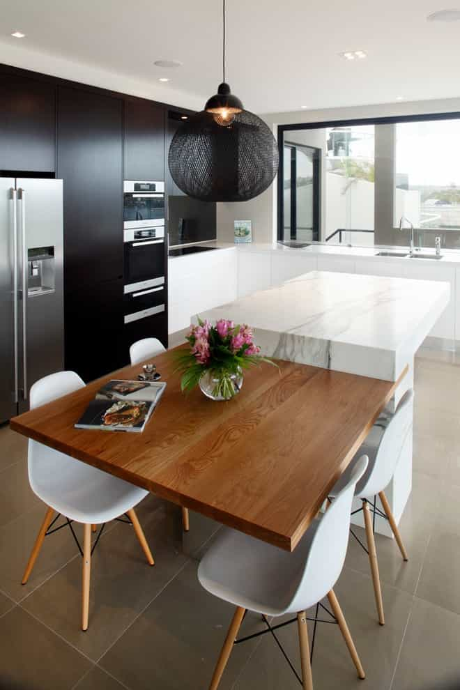 Mid Sized Trendy L Shaped Enclosed Fitted Kitchen (Image 9 of 15)