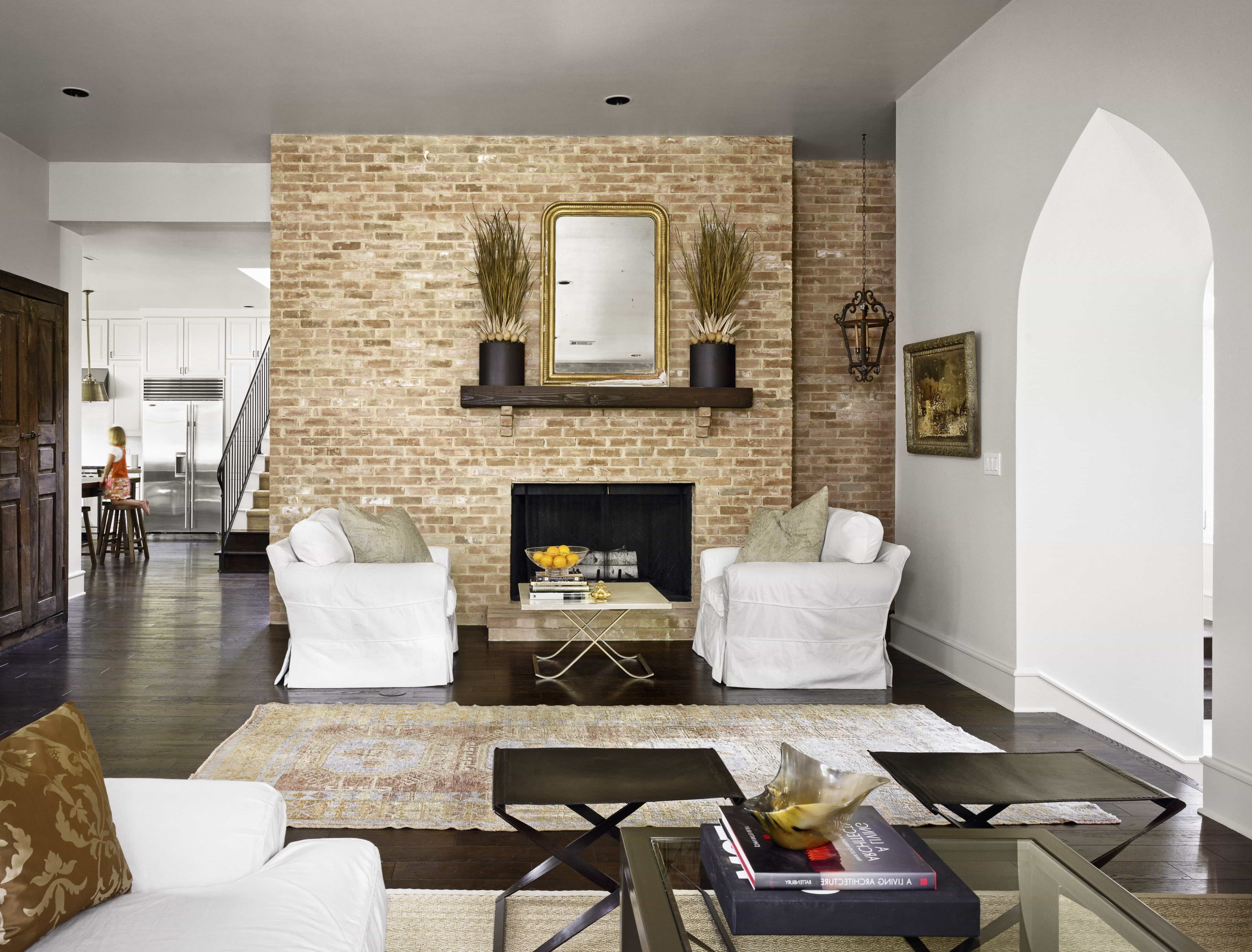Minimal Vintage Living Room With Exposed Brick Wall (Image 17 of 30)