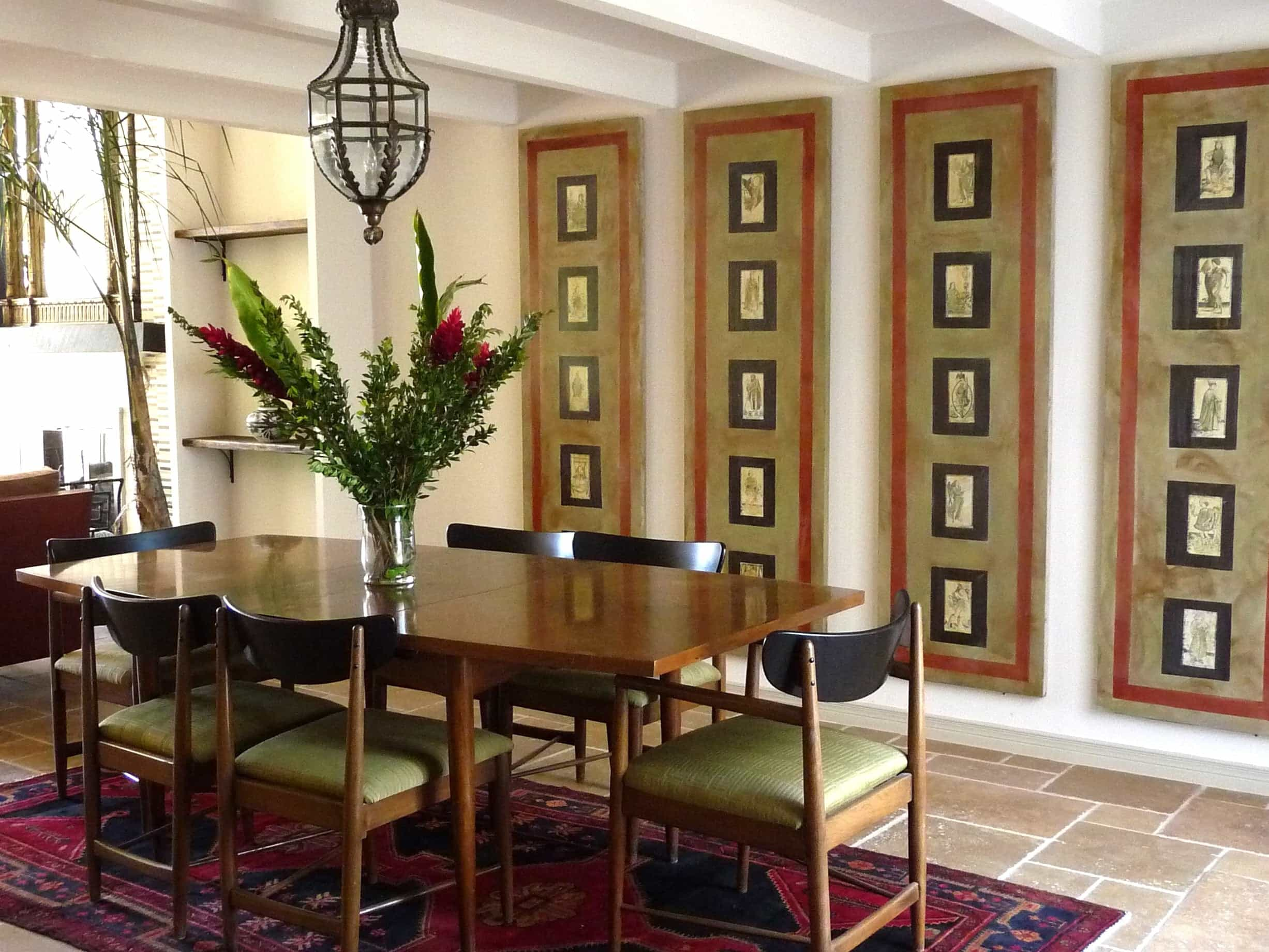 Featured Image of Modern Dining Room In Asian And Persian Touches