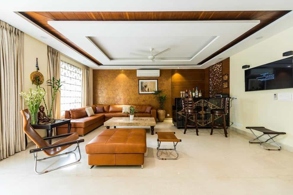 Featured Image of Modern Large Indian Living Room With Small Kitchen Bar
