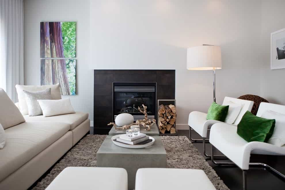 Featured Image of Modern Living Room With White Walls And Standard Fireplace