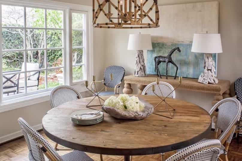Featured Image of Natural Wood Table With White Wicker Chairs And Driftwood Lamps