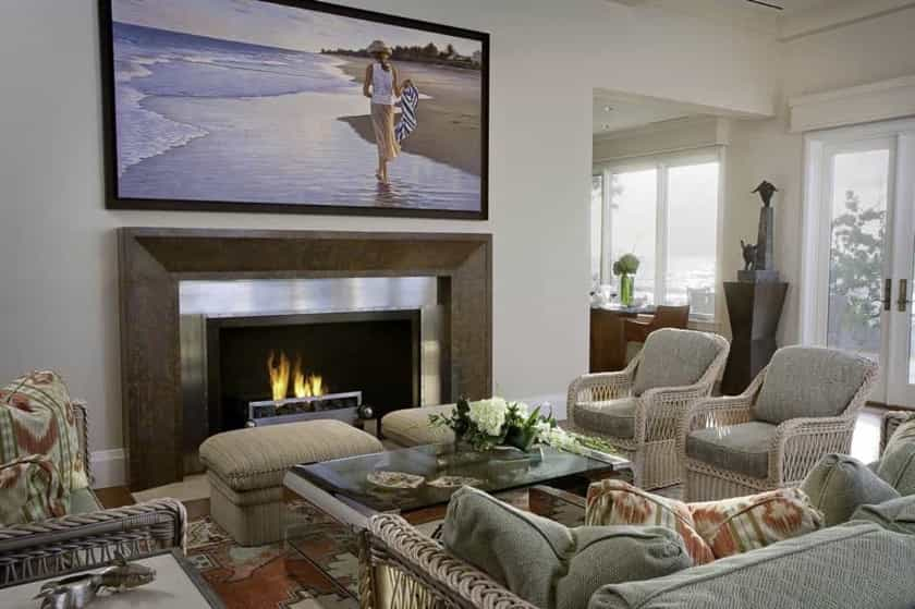 Featured Image of Neutral Living Room With Big TV
