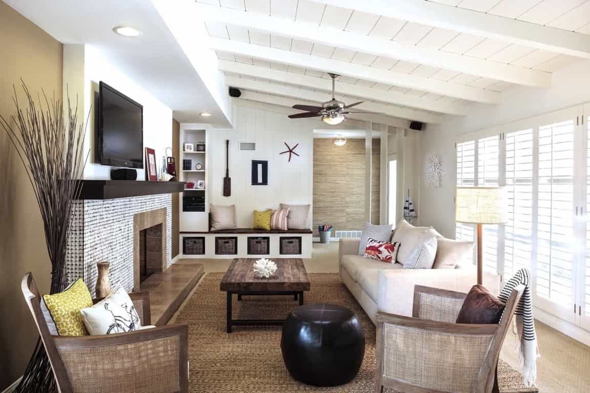 Featured Image of Neutral Living Room With Natural Wood Coffee Table And Textured Rug