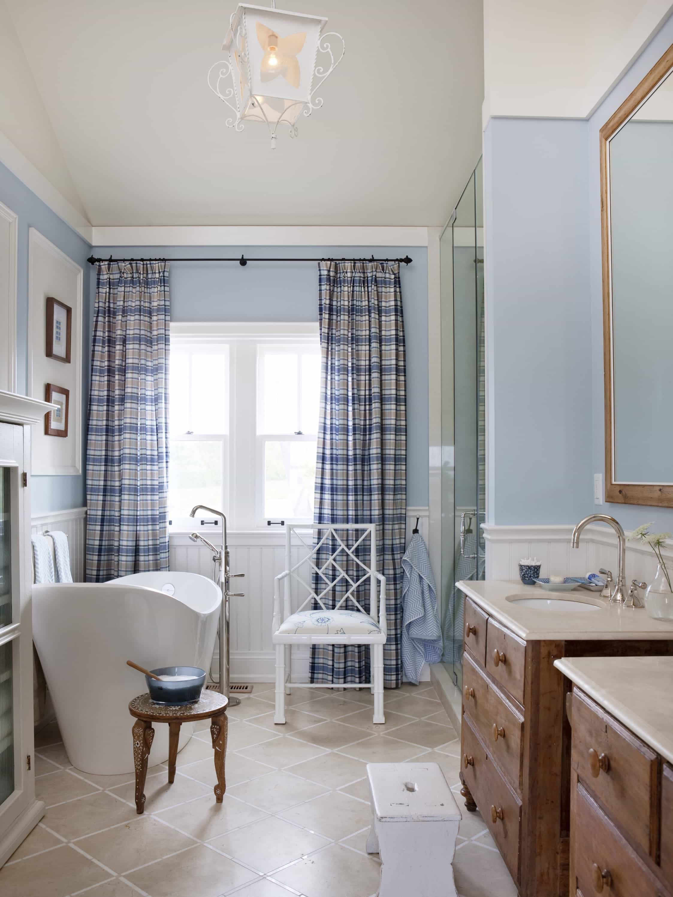 Featured Image of Plaid Curtains For Vintage Bathroom Decoration