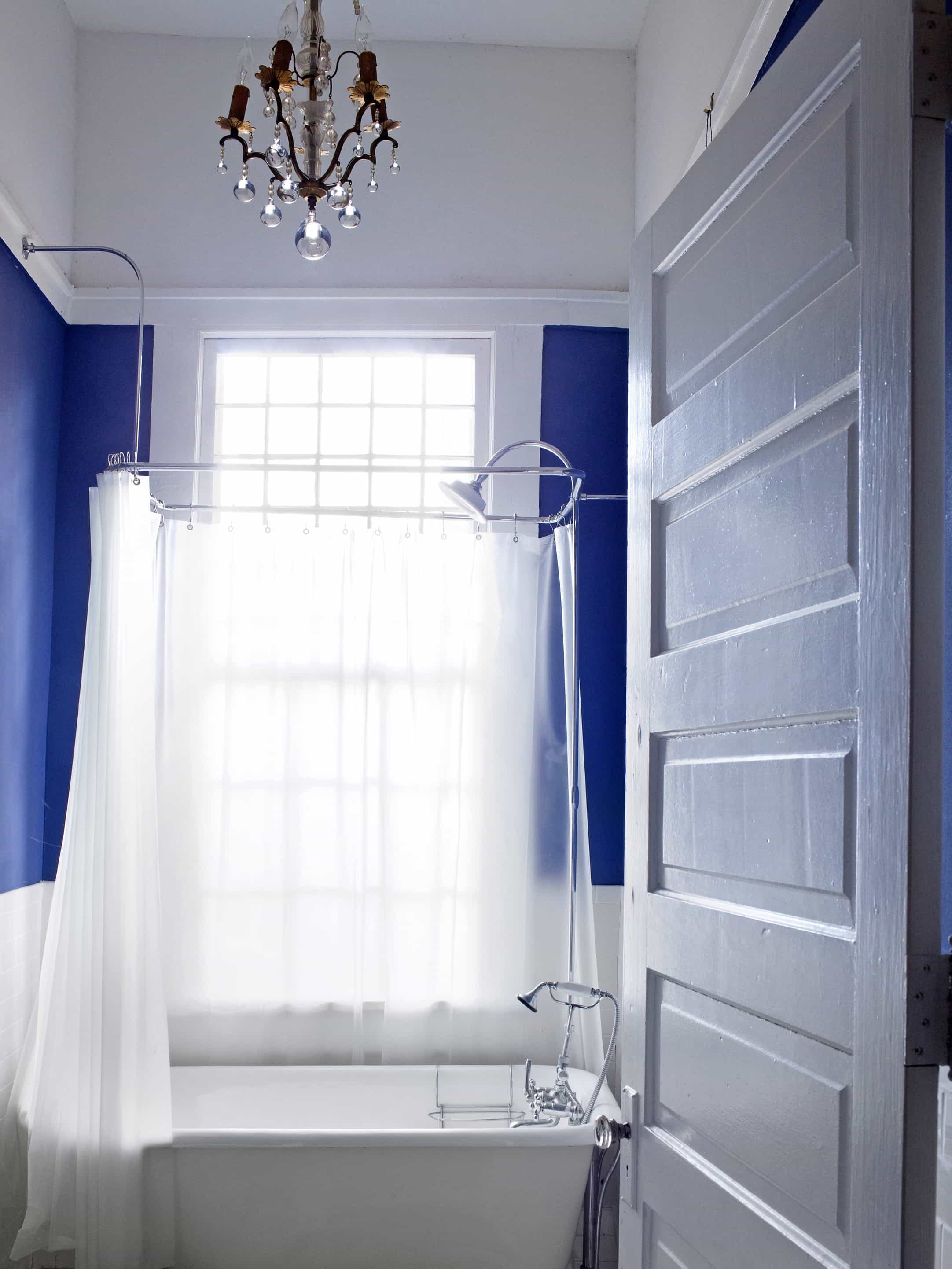 Royal Blue Bathroom With White Slipper Tub #51016