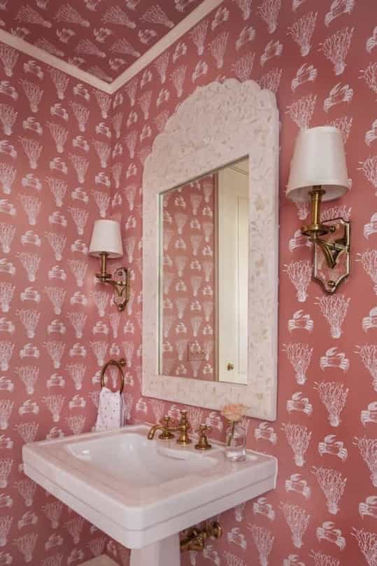 Featured Image of Seaweed And Crab Pink Coastal Wallpaper Around Bathroom