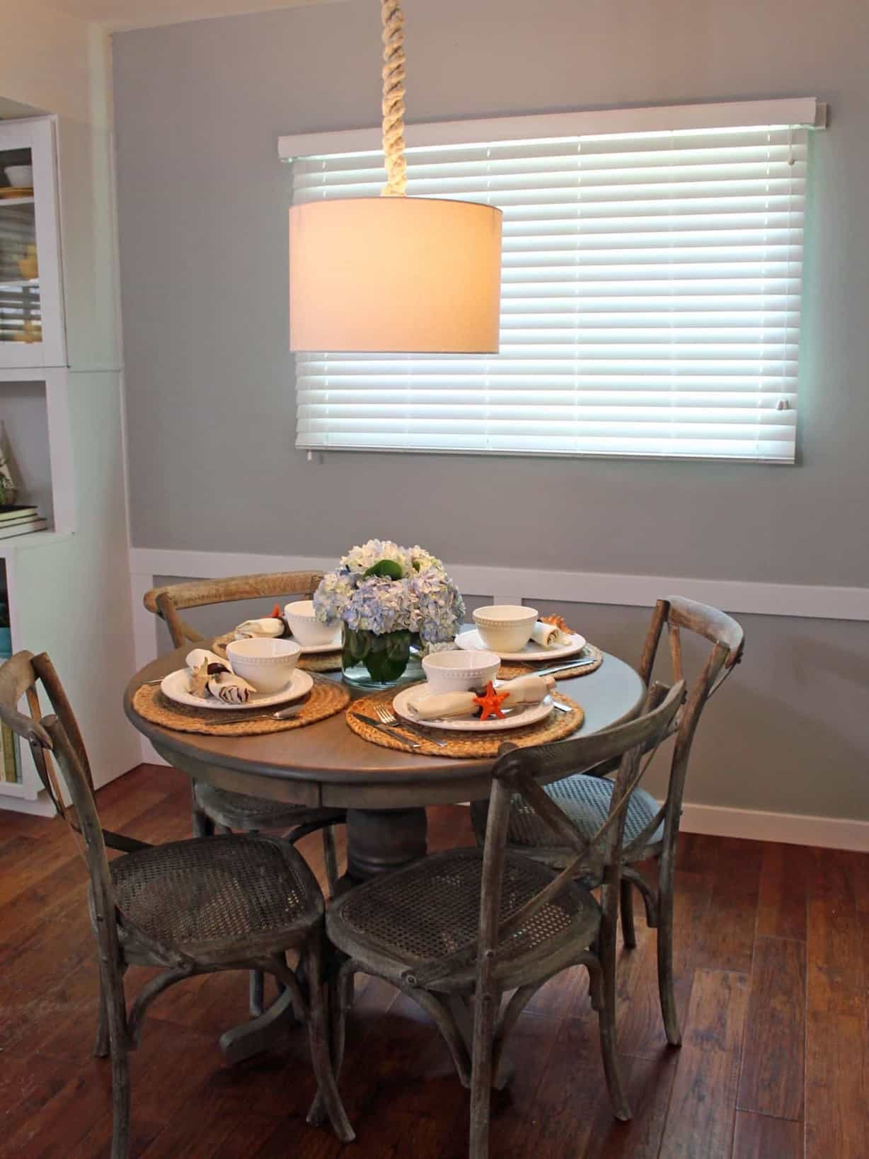 Featured Image of Small Coastal Dining Room Table