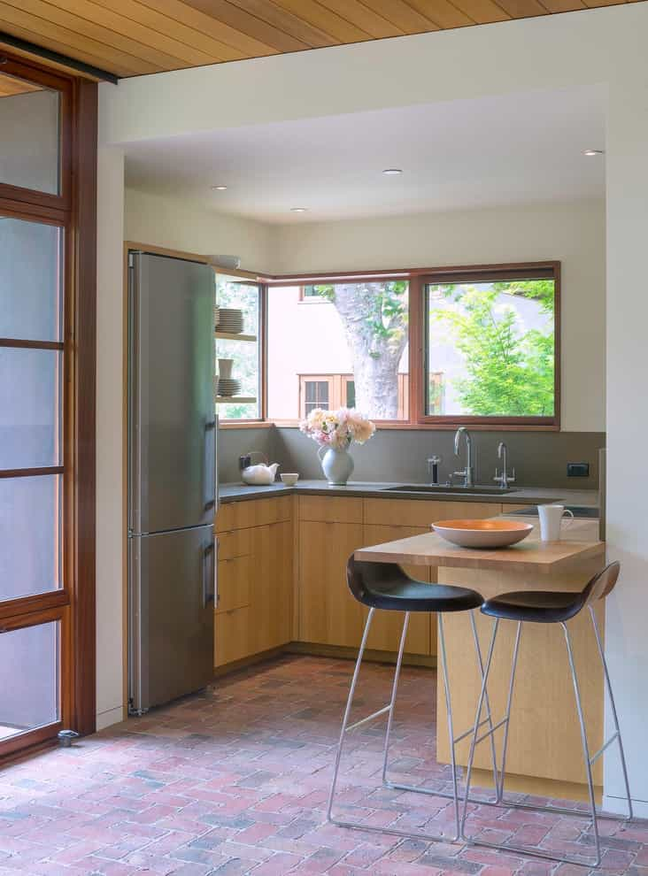 Small Modern U Shaped Open Concept Fitted Kitchen (Image 14 of 15)
