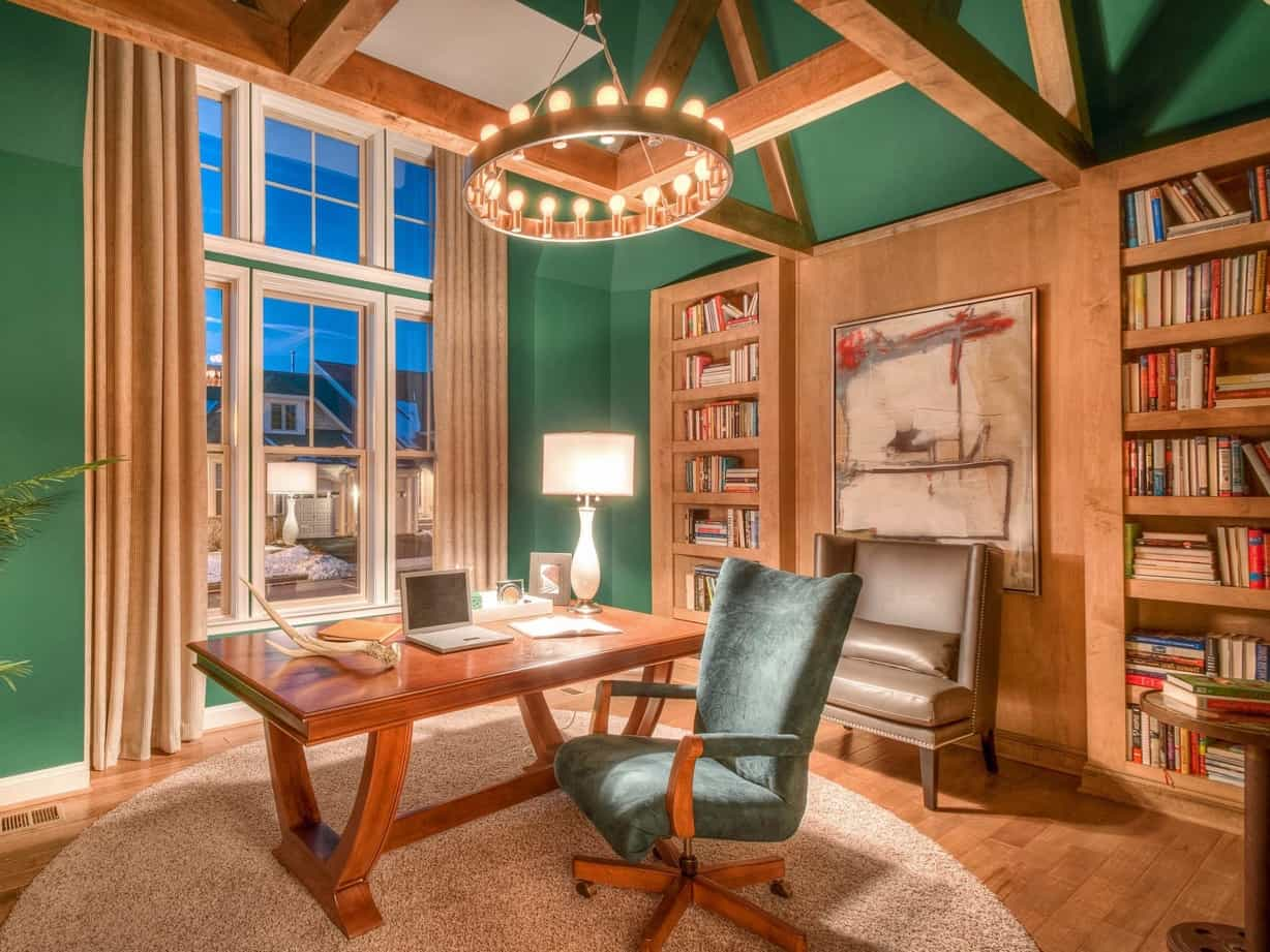 Featured Image of Sophisticated Emerald Green Home Office With Wood Accents