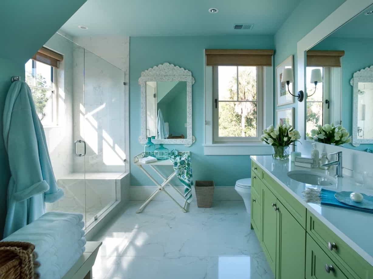 Featured Image of Sophisticated Kids Bathroom In Soothing Coastal Colors