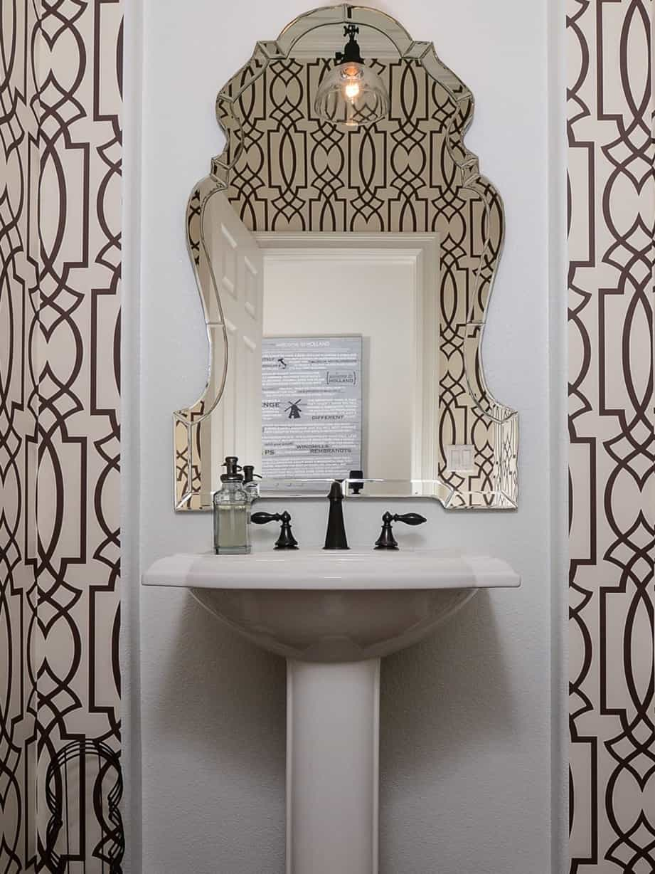 Featured Image of Trellis Patternerd Wallpaper For Powder Room Decked Decor