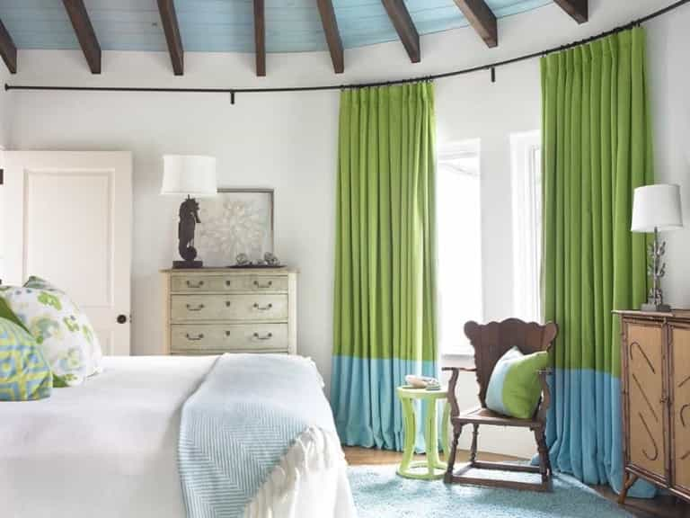 Featured Image of White Coastal Bedroom Boasts Lime Green Curtains