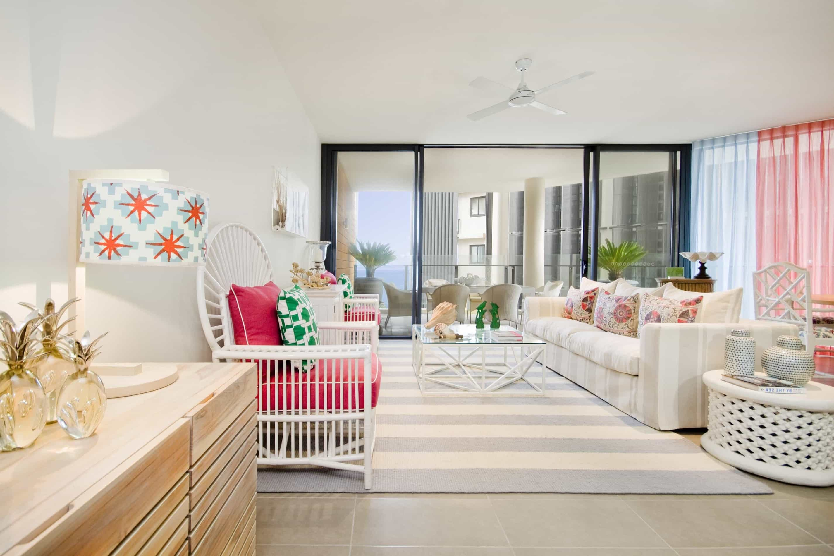 Featured Image of White Coastal Living Room With Hot Pink Cushions