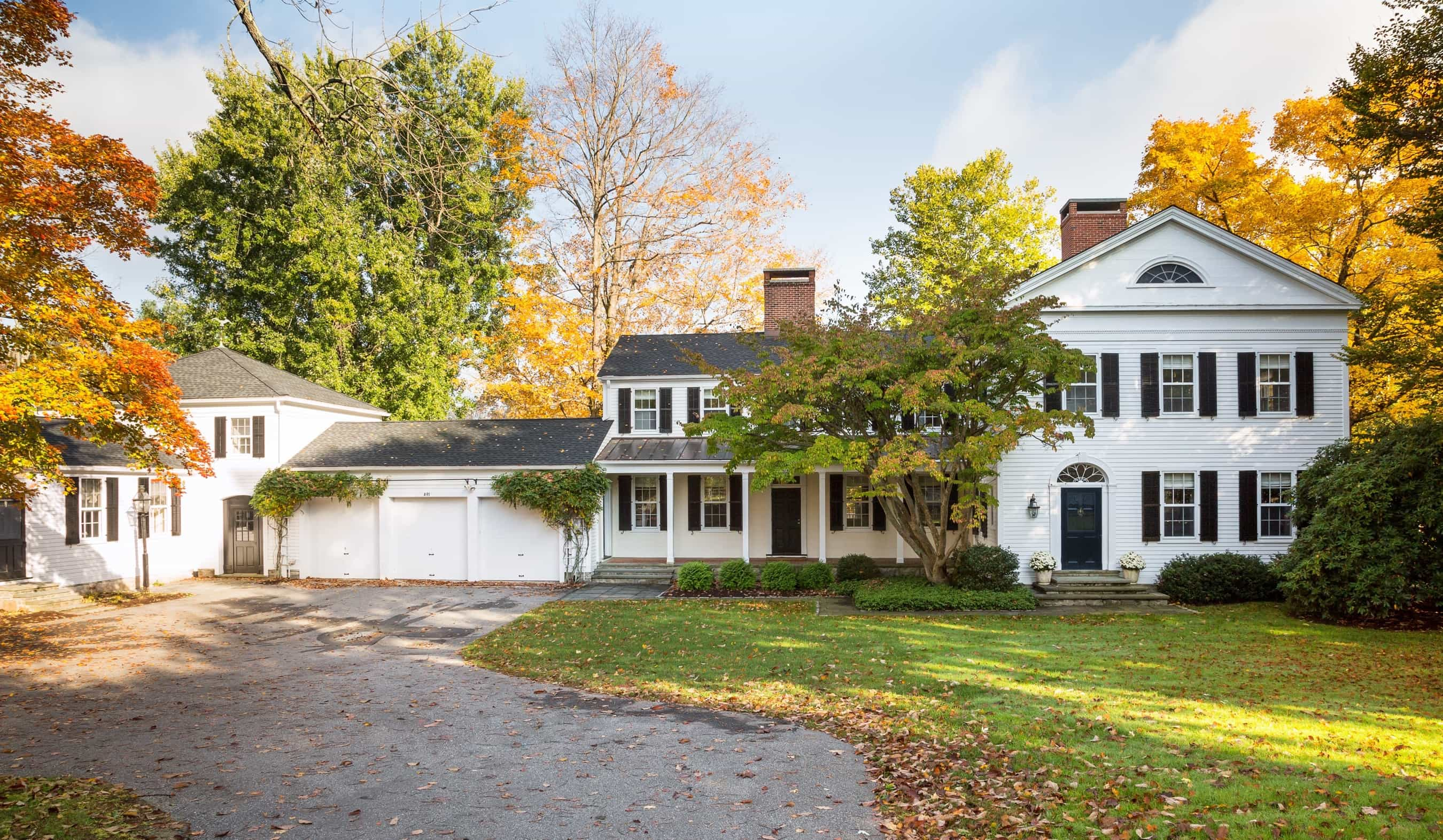 Featured Image of White Colonial Country Home Exterior