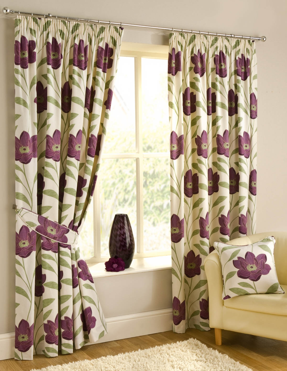 Adorable Glamour Curtains Bay Window Interior Design Glugu For Ready Made Curtains For Large Bay Windows (View 11 of 15)