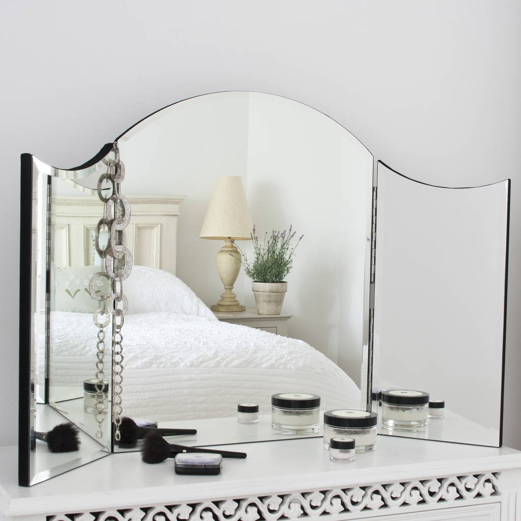 Alexa Plain Venetian Dressing Table Mirror Decorative Mirrors With Regard To Venetian Table Mirror (Image 2 of 15)